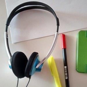 Auriculares para aprendizaje auditivo